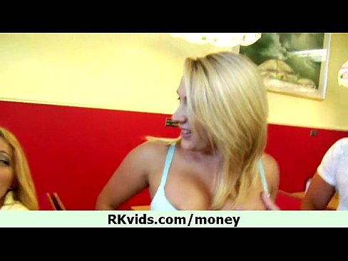 http://img-l3.xvideos.com/videos/thumbslll/03/72/76/037276d3452bfe96952b1a63d87968f7/037276d3452bfe96952b1a63d87968f7.24.jpg