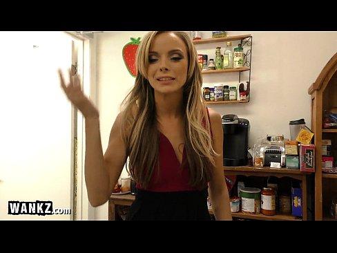 http://img-l3.xvideos.com/videos/thumbslll/04/62/6e/04626e0a354ce59b6ed65521a6bb293a/04626e0a354ce59b6ed65521a6bb293a.4.jpg