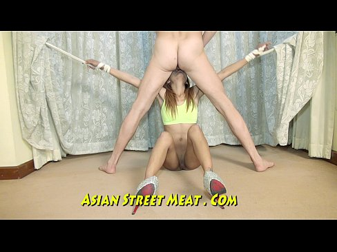 http://img-l3.xvideos.com/videos/thumbslll/07/6c/a2/076ca24cda3072c823ff42b060581491/076ca24cda3072c823ff42b060581491.27.jpg