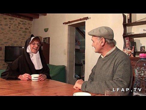 Maicuta Si-O Trage Cu Un Mos Care Si El Are Chef De Pizda