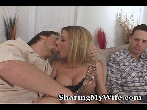 http://img-l3.xvideos.com/videos/thumbslll/10/29/0c/10290c1a58786ac798e512d18054450b/10290c1a58786ac798e512d18054450b.9.jpg