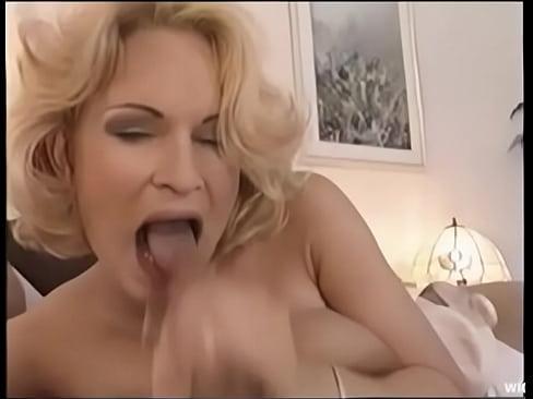 older women swallow