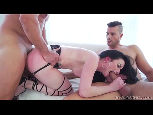 http://img-l3.xvideos.com/videos/thumbslll/11/17/38/1117384ddc44973a10119189a836c079/1117384ddc44973a10119189a836c079.3.jpg