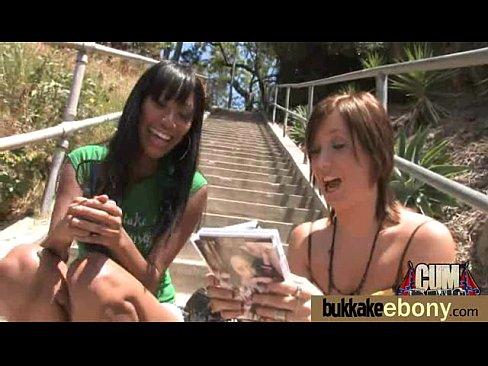http://img-l3.xvideos.com/videos/thumbslll/13/52/cc/1352cc5390bda089d610d14c5a8eed12/1352cc5390bda089d610d14c5a8eed12.15.jpg