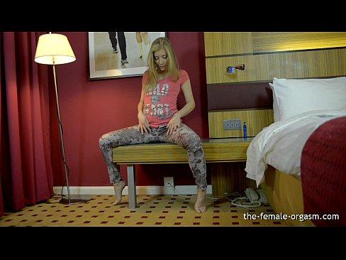 http://img-l3.xvideos.com/videos/thumbslll/13/90/40/139040335dd24238fc6f1548b82b26ea/139040335dd24238fc6f1548b82b26ea.2.jpg