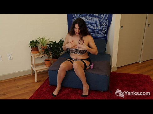 http://img-l3.xvideos.com/videos/thumbslll/16/13/07/161307ddeb495edf8db257d87f9da3a9/161307ddeb495edf8db257d87f9da3a9.5.jpg