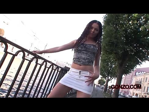 http://img-l3.xvideos.com/videos/thumbslll/19/42/9e/19429e2b29887b366e9cbe786b73fc47/19429e2b29887b366e9cbe786b73fc47.1.jpg