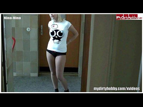 http://img-l3.xvideos.com/videos/thumbslll/29/91/d6/2991d672d3662300d1d83585f44a1689/2991d672d3662300d1d83585f44a1689.2.jpg
