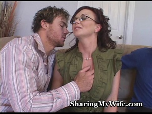 http://img-l3.xvideos.com/videos/thumbslll/2e/04/33/2e04335a91c8a9791b1a77ba2c281bc0/2e04335a91c8a9791b1a77ba2c281bc0.6.jpg