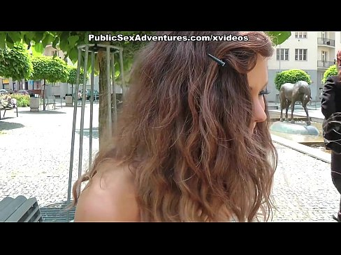 http://img-l3.xvideos.com/videos/thumbslll/31/98/70/31987083eaf6e992595e3f72ba9d5033/31987083eaf6e992595e3f72ba9d5033.2.jpg