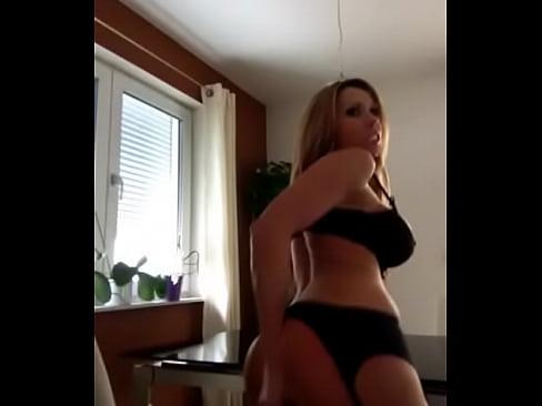 http://img-l3.xvideos.com/videos/thumbslll/3e/92/9a/3e929a26d9a337ee3d9a3cdf85f73edc/3e929a26d9a337ee3d9a3cdf85f73edc.3.jpg