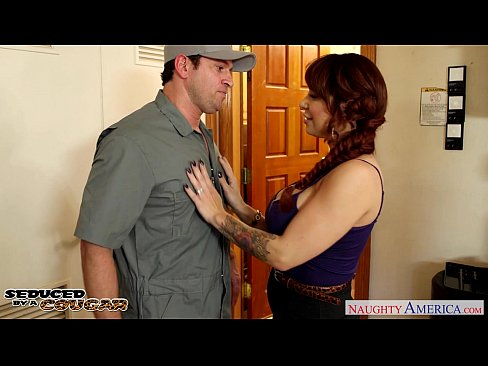 http://img-l3.xvideos.com/videos/thumbslll/40/43/2b/40432b880875cf70152a960f1b26568e/40432b880875cf70152a960f1b26568e.6.jpg