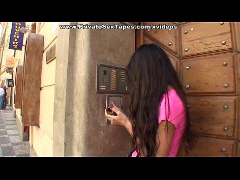 http://img-l3.xvideos.com/videos/thumbslll/43/7d/1d/437d1dd372bd7c036df60955f5dc3b8a/437d1dd372bd7c036df60955f5dc3b8a.15.jpg