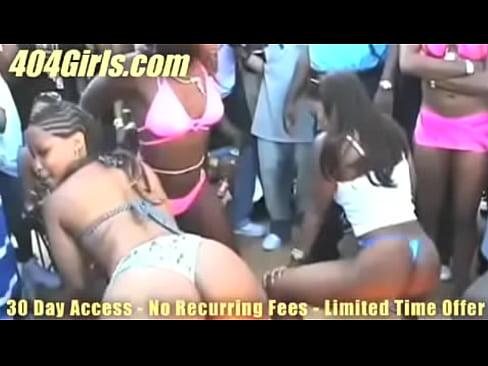 http://img-l3.xvideos.com/videos/thumbslll/45/86/dc/4586dca59a9e44c30dcf806ddb429c48/4586dca59a9e44c30dcf806ddb429c48.15.jpg