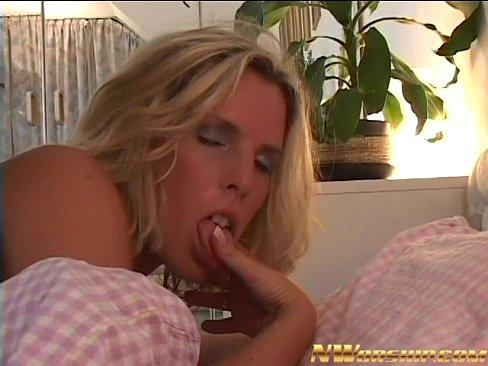 http://img-l3.xvideos.com/videos/thumbslll/46/3f/1c/463f1cc2ea8aa063e832d133356d2e97/463f1cc2ea8aa063e832d133356d2e97.26.jpg
