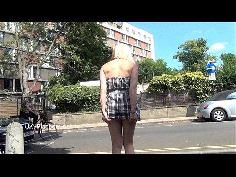 http://img-l3.xvideos.com/videos/thumbslll/47/25/25/472525428b10ea61054b28cf133de63e/472525428b10ea61054b28cf133de63e.4.jpg
