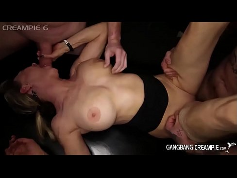 Satisfing her clitoris