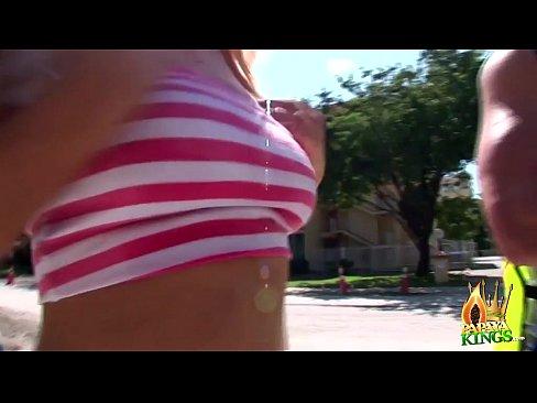 http://img-l3.xvideos.com/videos/thumbslll/4b/8b/57/4b8b57b22ac24e5ac220133ef0ce5067/4b8b57b22ac24e5ac220133ef0ce5067.9.jpg