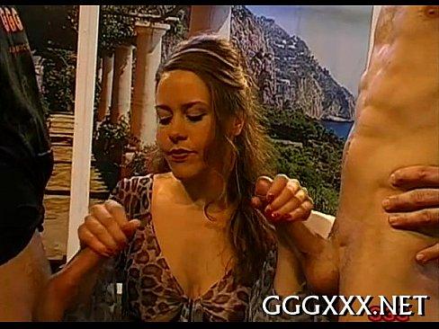 http://img-l3.xvideos.com/videos/thumbslll/51/31/e0/5131e001365b408ba4db618c662e0242/5131e001365b408ba4db618c662e0242.15.jpg