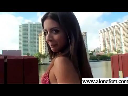 http://img-l3.xvideos.com/videos/thumbslll/51/f1/52/51f1522db2c4880211835c1a947e98ed/51f1522db2c4880211835c1a947e98ed.15.jpg