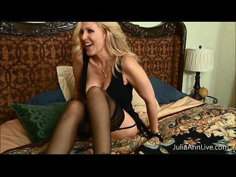 http://img-l3.xvideos.com/videos/thumbslll/6b/46/3e/6b463e7b60cab715025c51771da85078/6b463e7b60cab715025c51771da85078.8.jpg