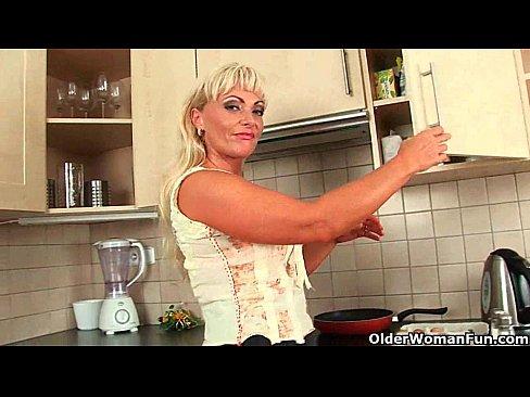 http://img-l3.xvideos.com/videos/thumbslll/71/28/f1/7128f1fde86763d86947f32b408cd44b/7128f1fde86763d86947f32b408cd44b.2.jpg