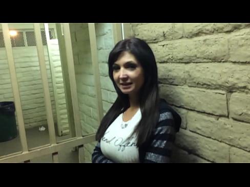 http://img-l3.xvideos.com/videos/thumbslll/71/94/25/719425e43dd464e798e37c28e6bd3131/719425e43dd464e798e37c28e6bd3131.9.jpg