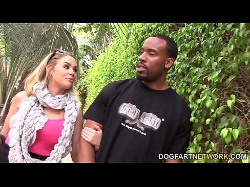 http://img-l3.xvideos.com/videos/thumbslll/79/6f/6b/796f6bca216f01e63bc5a2a1a4d72fe7/796f6bca216f01e63bc5a2a1a4d72fe7.2.jpg