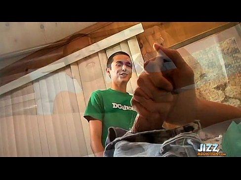http://img-l3.xvideos.com/videos/thumbslll/85/e0/8f/85e08f916ec162ab6cbc89fcb9f2c0d2/85e08f916ec162ab6cbc89fcb9f2c0d2.10.jpg