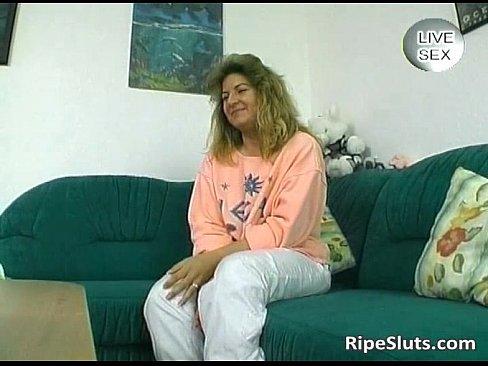 http://img-l3.xvideos.com/videos/thumbslll/88/ec/cc/88eccc2b6b44a3cbc59dae39cec5d20e/88eccc2b6b44a3cbc59dae39cec5d20e.5.jpg