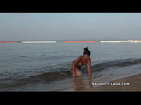 http://img-l3.xvideos.com/videos/thumbslll/8c/b7/1c/8cb71c3fd4d9cc07a845f71fc8ce263f/8cb71c3fd4d9cc07a845f71fc8ce263f.21.jpg