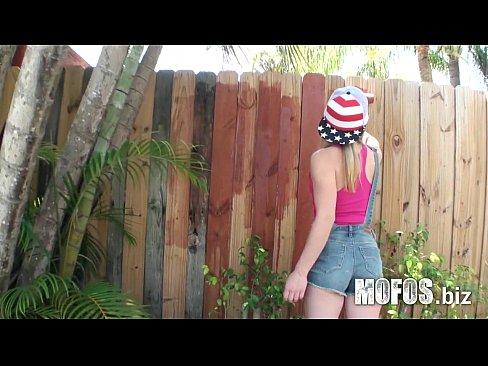 http://img-l3.xvideos.com/videos/thumbslll/8d/93/68/8d9368d58034c462bd45f0ec84f16ac5/8d9368d58034c462bd45f0ec84f16ac5.1.jpg