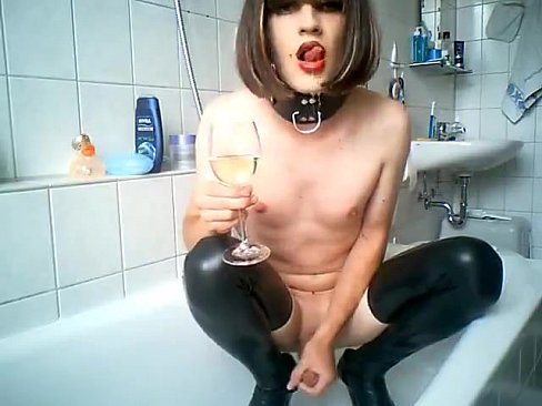 Cute amateur binaca brunette