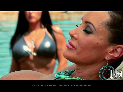 http://img-l3.xvideos.com/videos/thumbslll/90/e7/aa/90e7aaae16fd1a4a8f9d057a7a15ffb6/90e7aaae16fd1a4a8f9d057a7a15ffb6.2.jpg