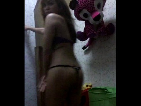 http://img-l3.xvideos.com/videos/thumbslll/92/84/31/928431ff63753b0c725854adae029922/928431ff63753b0c725854adae029922.15.jpg
