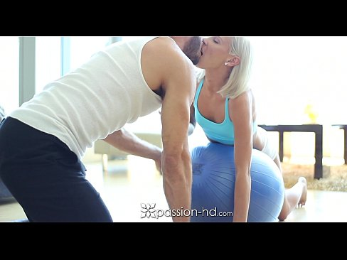 http://img-l3.xvideos.com/videos/thumbslll/92/ef/ca/92efcaa931aaa7564ddffd8d44bc45b1/92efcaa931aaa7564ddffd8d44bc45b1.6.jpg