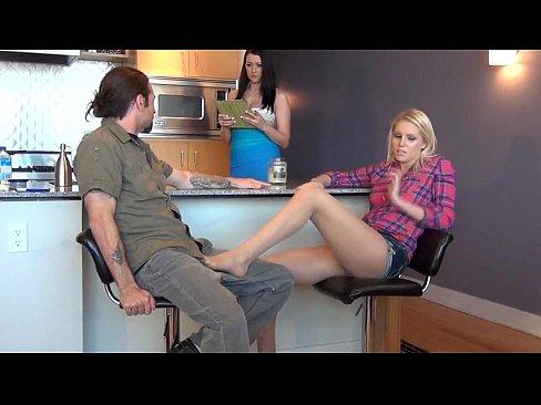 http://img-l3.xvideos.com/videos/thumbslll/94/5d/3b/945d3ba3a1172bd159e7e21c3de336fa/945d3ba3a1172bd159e7e21c3de336fa.10.jpg
