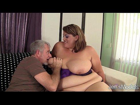 http://img-l3.xvideos.com/videos/thumbslll/95/7c/0b/957c0b24e07aa5c344cdc527f5b11d47/957c0b24e07aa5c344cdc527f5b11d47.6.jpg