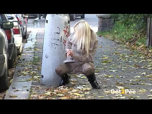 http://img-l3.xvideos.com/videos/thumbslll/9d/6a/3c/9d6a3c43056512d751bb6dab68418c58/9d6a3c43056512d751bb6dab68418c58.28.jpg