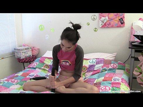 http://img-l3.xvideos.com/videos/thumbslll/9e/28/f6/9e28f68666c5c4aa076738bece934595/9e28f68666c5c4aa076738bece934595.25.jpg