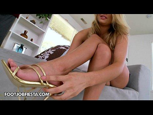 http://img-l3.xvideos.com/videos/thumbslll/9e/c7/8c/9ec78c7a3f892a7e03c7a0d2a4cebfdb/9ec78c7a3f892a7e03c7a0d2a4cebfdb.2.jpg