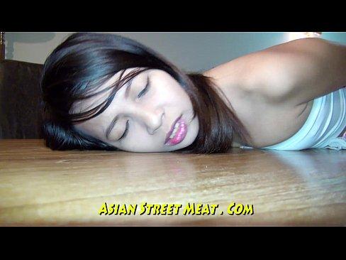 http://img-l3.xvideos.com/videos/thumbslll/a1/12/72/a11272c09ebf52a6247697457142b79e/a11272c09ebf52a6247697457142b79e.21.jpg