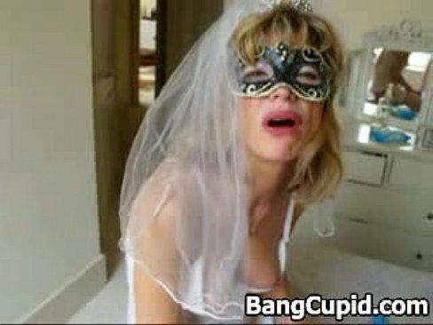 Я трахнул в жопу свою невесту блондинку
