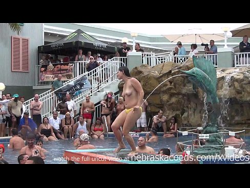 15 Min This Tropical Resort Pool Party Is Just Warming Up Xvideos.com Film