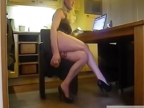 http://img-l3.xvideos.com/videos/thumbslll/c0/4e/16/c04e16909ecf5ad855dffddb249dc1cc/c04e16909ecf5ad855dffddb249dc1cc.15.jpg