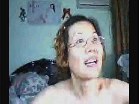 http://img-l3.xvideos.com/videos/thumbslll/c8/9d/55/c89d551b52a6931a00d95daf404870e0/c89d551b52a6931a00d95daf404870e0.30.jpg