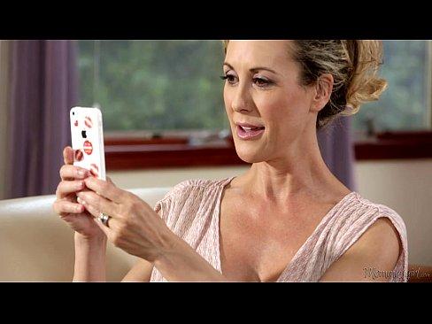 http://img-l3.xvideos.com/videos/thumbslll/d0/35/24/d03524a8e4a31e2d1bcc108a0c6c9715/d03524a8e4a31e2d1bcc108a0c6c9715.6.jpg