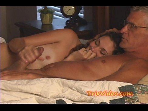 Video sex pembantu virgin