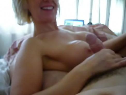 http://img-l3.xvideos.com/videos/thumbslll/dc/06/e6/dc06e6cd4cab0e61e4b47b70299d10e8/dc06e6cd4cab0e61e4b47b70299d10e8.24.jpg