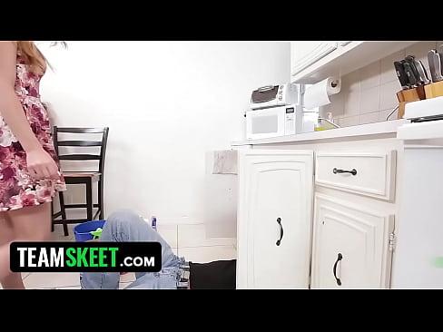 http://img-l3.xvideos.com/videos/thumbslll/df/d9/0f/dfd90f2f8e78793cec4b1571b2ebba4f/dfd90f2f8e78793cec4b1571b2ebba4f.2.jpg